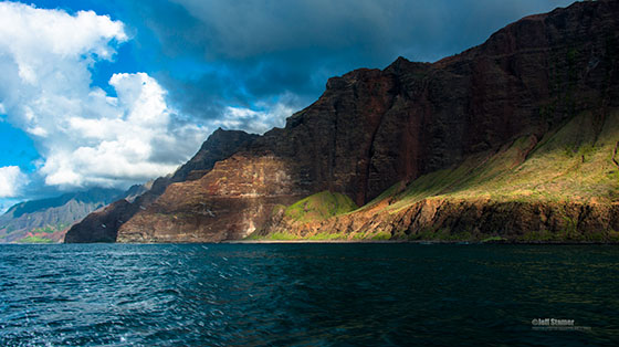 From sea-level, Na Pali is pretty... / Photo by Jeff Stamer